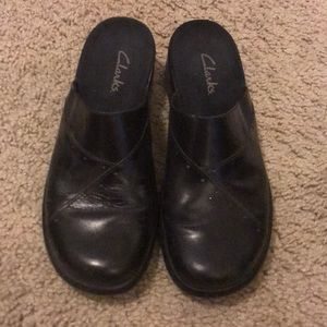 Clarks black Leather clogs Size 7
